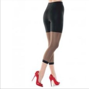 NEW Spanx Black Fabulous Footless Tights 6 F Plus